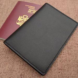 Porta Pasaporte Negro 1
